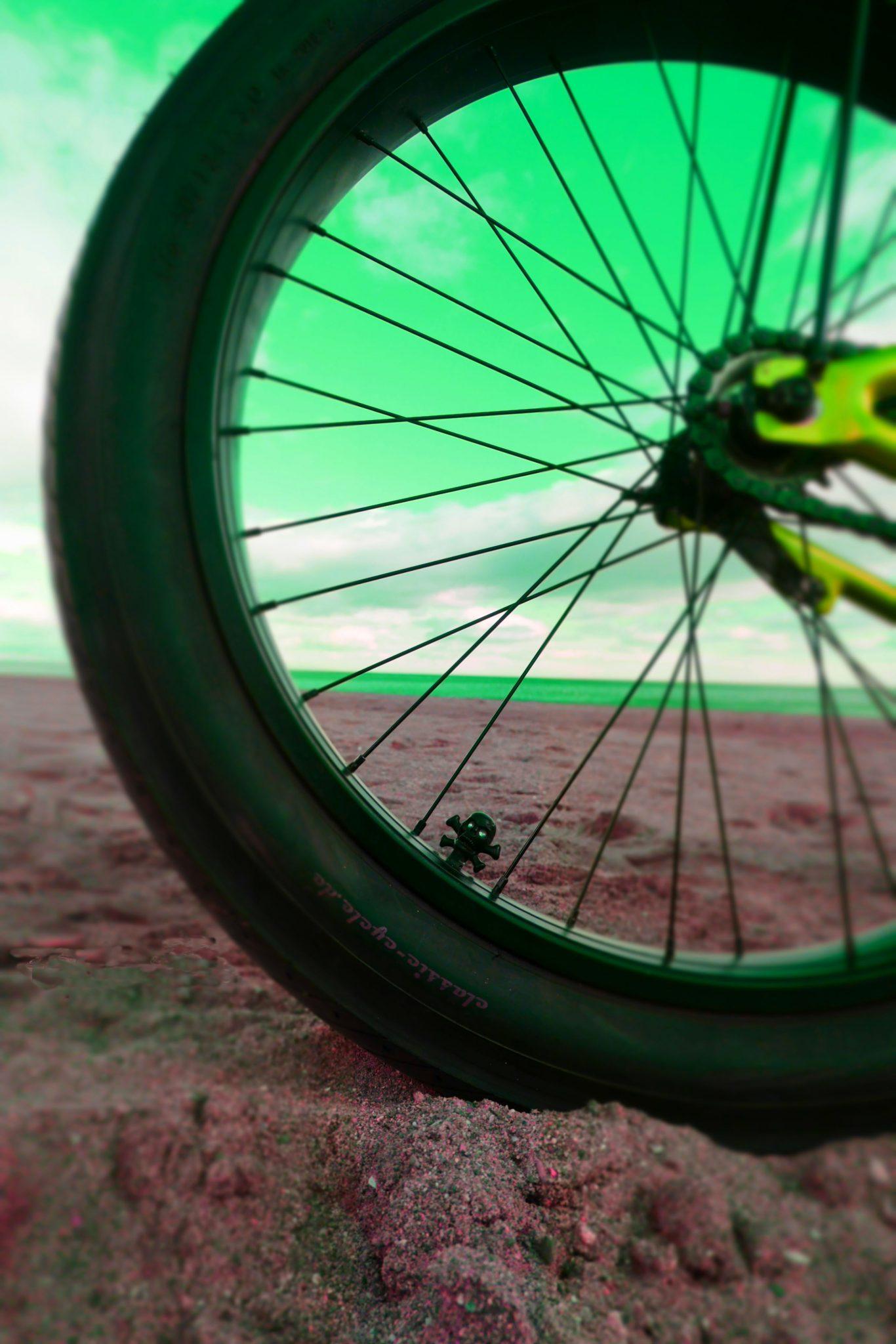Jan cycles detalle rueda trasera custom bike sf